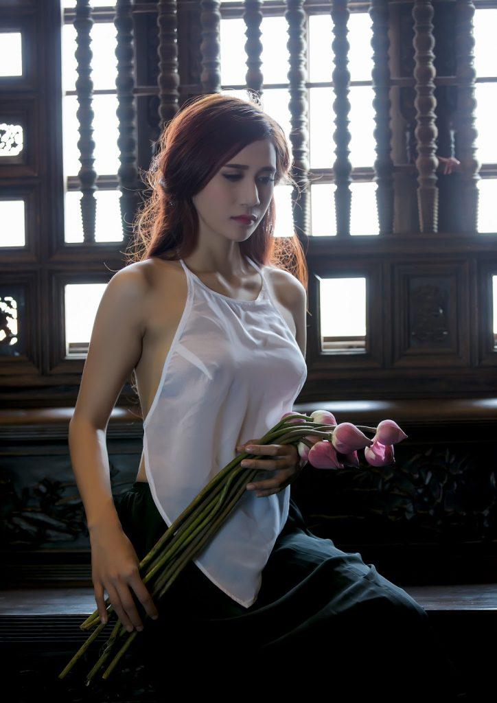 Album ảnh cô lang y full HD nude áo yếm